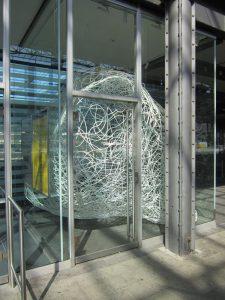 Installation von Fraenzi Neuhaus im Bahnhof Olten