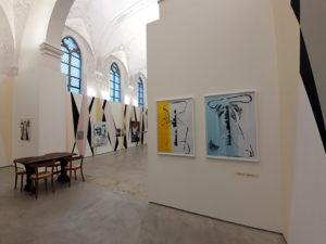 Blick in die Ausstellung «Aktion Winterhilfe» im Haus der Kunst St. Josef Solothurn.