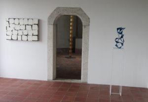 Werke von Manu Wurch, Pi Ledergerber und Hans Schüle 2021 im Schlösschen Vorder-Bleichenberg in Biberist. (Foto: Eva Buhrfeind)