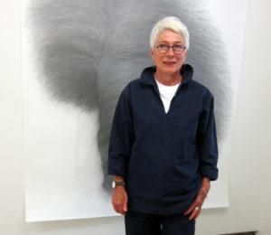 Monika Feucht 2021 in der Galerie Rössli in Balsthal. (Foto: Eva Buhrfeind)